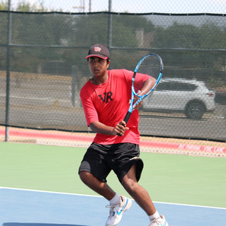 Ridge Tennis Moves to 2-1 in District Play