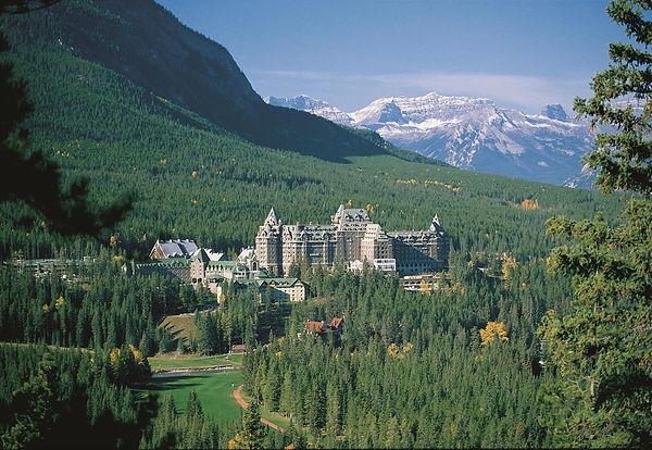 HOTEL_PhotoCredits_Fairmont_Banff_Springs.jpg