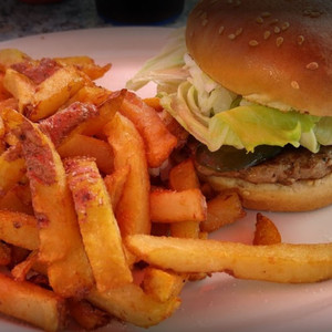 hamburger-frites-carre.jpg