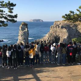 南韓濟州地理及文化考察-看啊!很大的海浪!形成這個獨特的海岸景觀