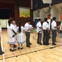 健康大使接受香港進食失調協會培訓後,組織攤位遊戲予全校學生參與