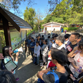 城門歷史中藥尋-梁少茵老師向同學請講解香港戰在二次大戰時的歷史