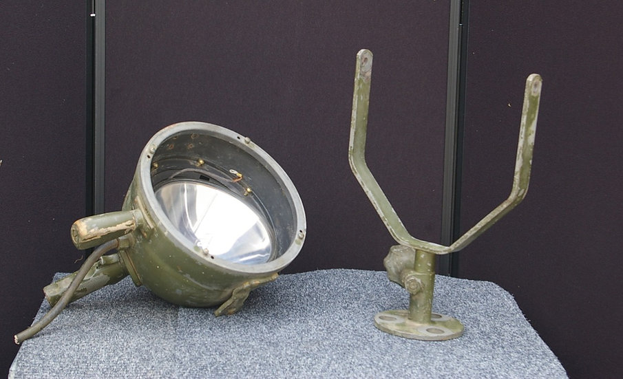 1940 US NAVY SEARCH LIGHT