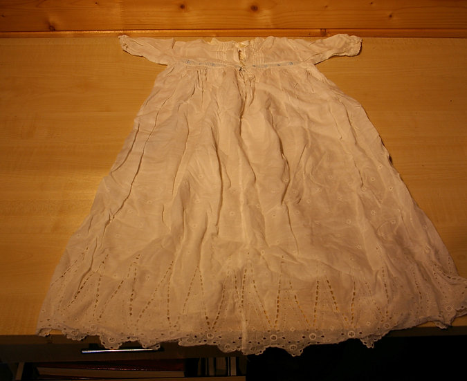 2 VINTAGE CHRISTENING GOWNS WITH BAG