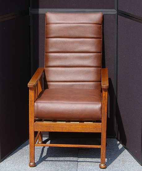 LOW PERIOD CHILD'S CHAIR