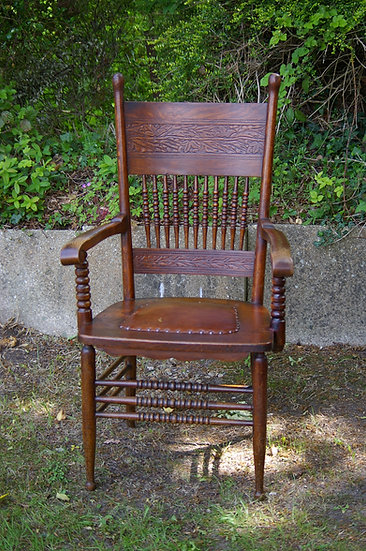 ARTS AND CRAFTS OAK CARVER CHAIR ( ONE OFF )1900c