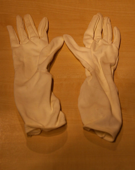 VINTAGE LADIES EVENING GLOVES 1950,S