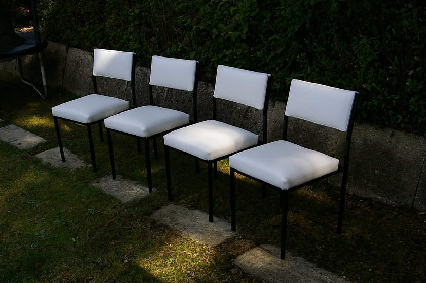 4 HEAVY DUTY STACKING CHAIRS