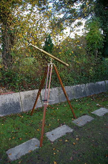 BRASS NAUTICALIA TELESCOPE WITH WOODEN TRIPOD