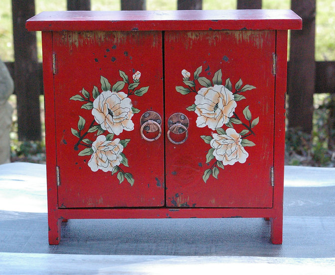 MINI CABINET WITH CHINESE FLOWERS