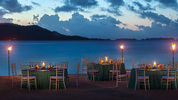 four-seasons-bora-bora-beachfront-dinner