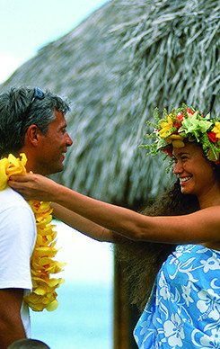 welcome-flower-lei-tahiti.jpg
