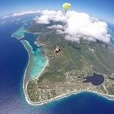 skydiving-moorea-tandem-jump.jpg