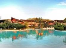 le-meridien-tahiti-sand-bottom-swimming-