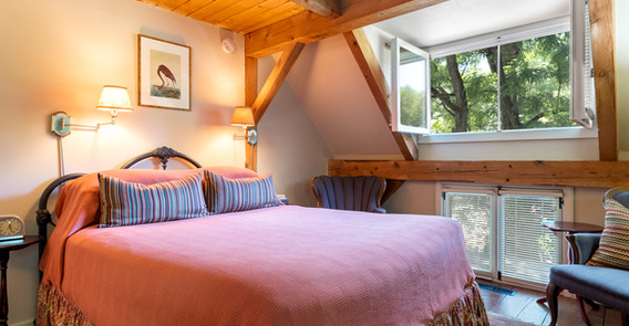 BOWERS GUEST ROOM OVERALL PHOTO _ INN AT WEATHERSFIELD.jpg