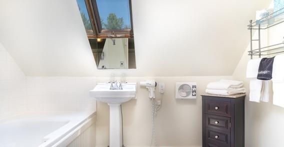 weathersfield inn rooms0027.jpg