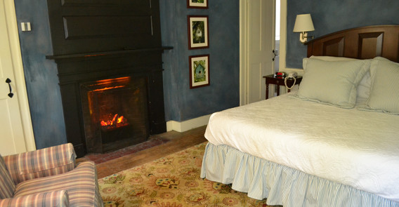 arlington guest room