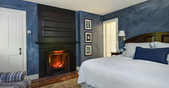 Arlington guest room _iwvermont.jpg