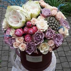 Доставка Шляпные коробки с цветами