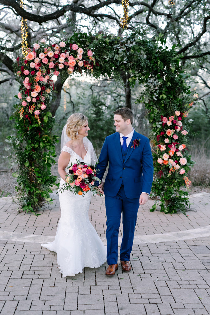 Lindsey + Spencer's Romantic Winter Texas Wedding