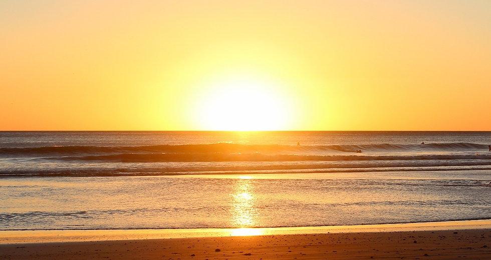 beach-sunrise-1149548_1920_edited.jpg
