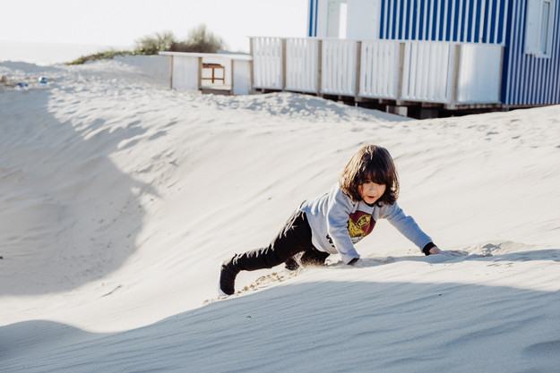 childhood-beach-family-photoshoot-lisbon