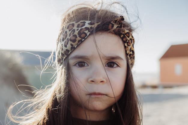 girl-portrait-family-photoshoot-lisbon.j