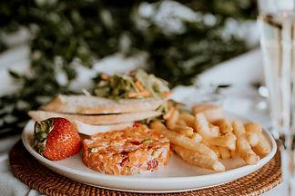Tartare 2 saumons & fraises.jpg