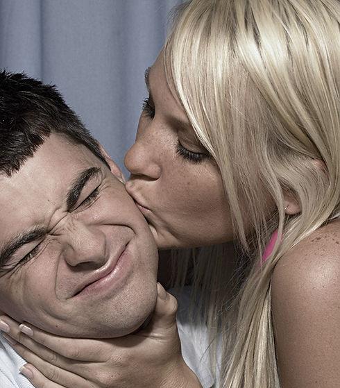 נשיקה לבן זוג