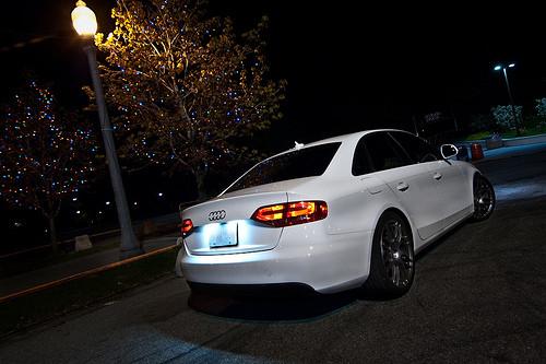 光のソムリエ127回_白いLEDライトを使った自動車ナンバープレート
