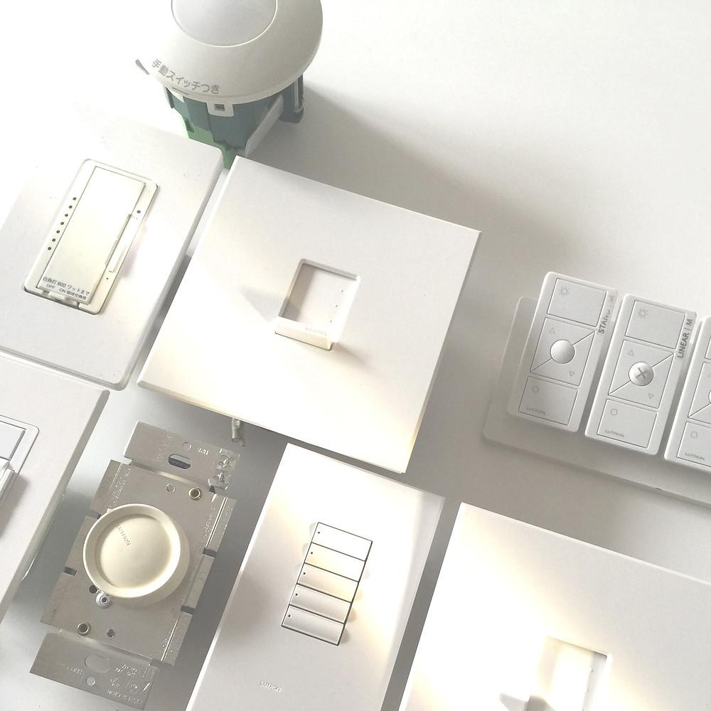 光のソムリエ 第119回「スイッチ ─4つのエピソード」メイン画像:照明スイッチ各種