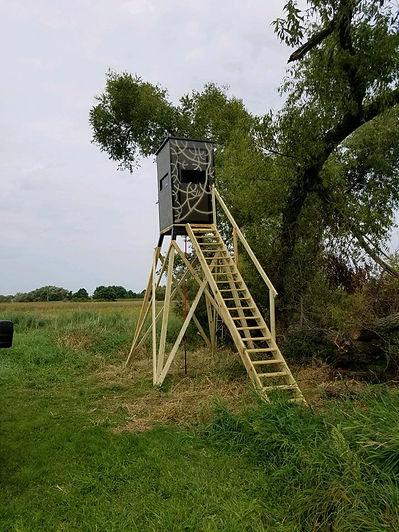 4x4 hunting blind