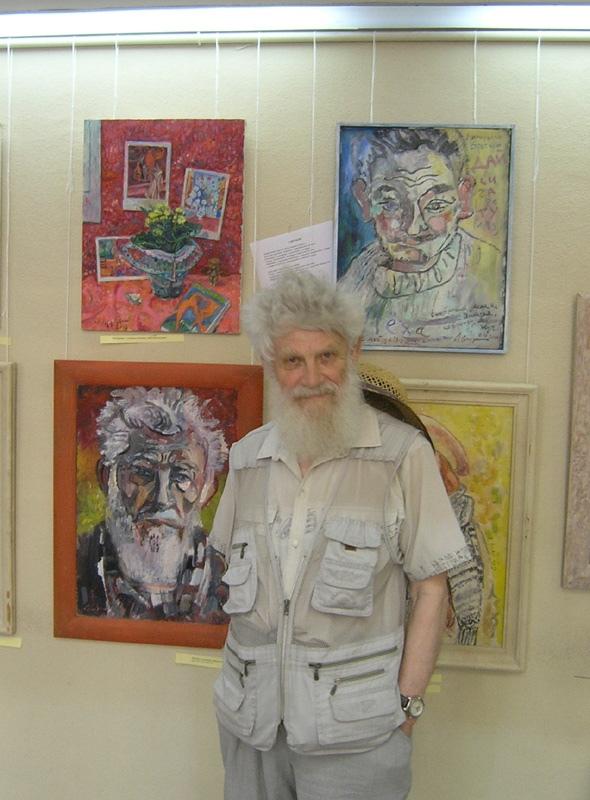 Юрий Рыбьяков на моей выставке. 2019