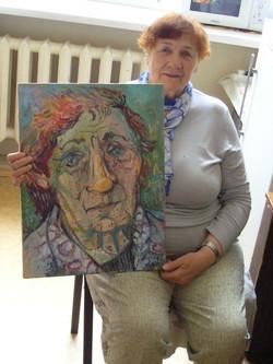Зоя Ивановна со своим портретом. 2019