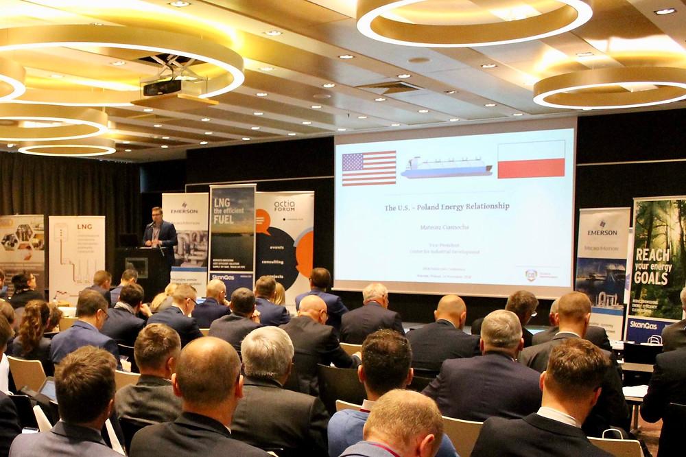 Mateusz Ciasnocha delivers CID's keynote address.