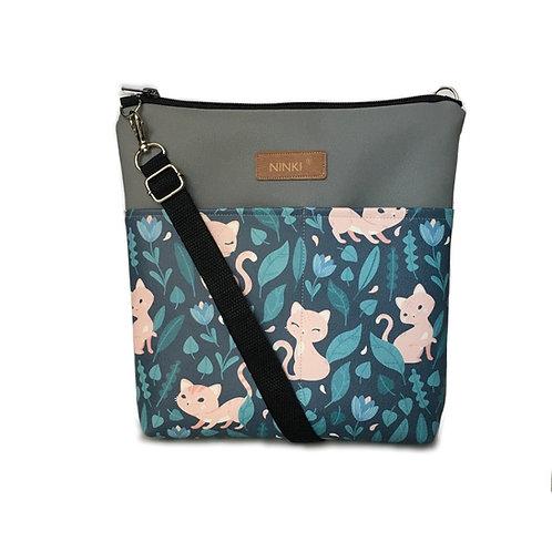 torebka dla dziewczynki ekoskóra (różowy kotek na granatowym tle)