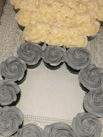 ENGAGEMENT RING CUPCAKES💍