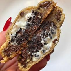 Cookies & Cream BROWNIE stuffed chocolat