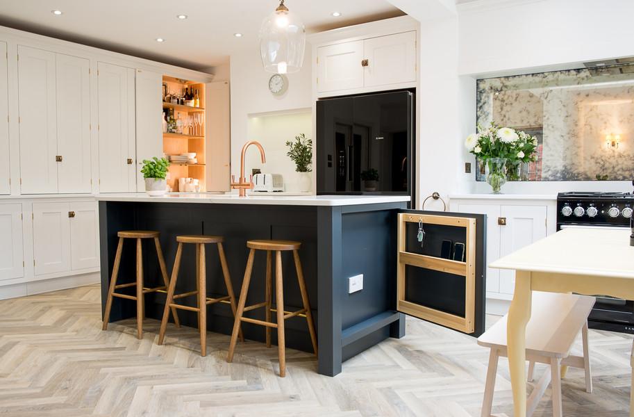 main kitchen pic.jpg