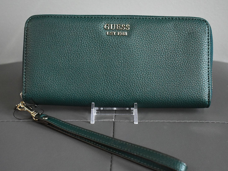 Cami wristlet forest green