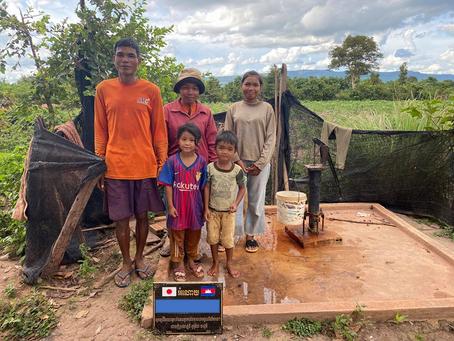 T様のご支援による小型井戸が完成しました(スコン村トロンさん)