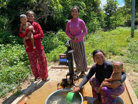 M様のご支援による小型井戸が完成しました(タバエン村ドムさん宅)