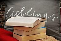 books-1416832_960_720-min.jpg
