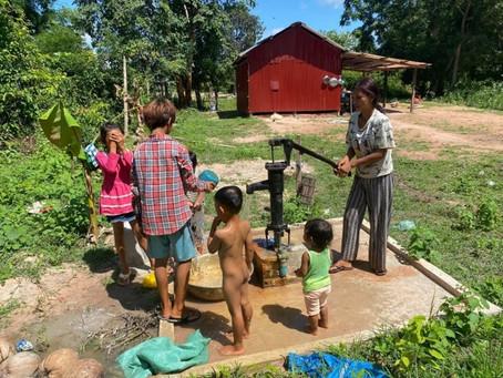 O様のご支援による小型井戸が完成しました(ソムラオン村 ヌーンさん)