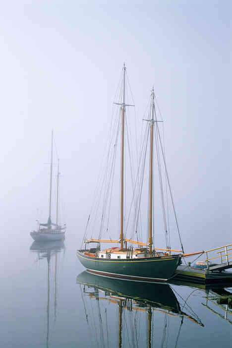 Schooner, Mahone Bay     (S452.jpg)