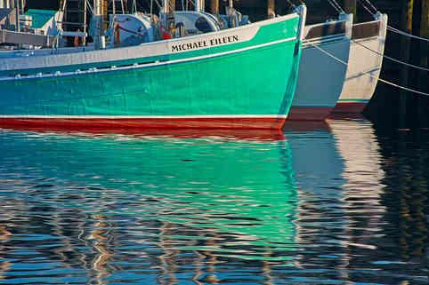 Fishing Trawlers     (B19216.jpg)