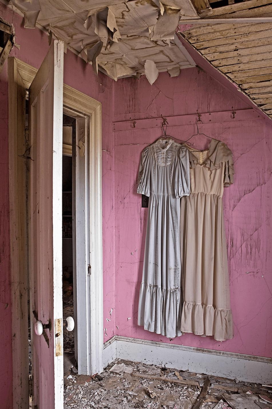 Dresses    (P10502.jpg)