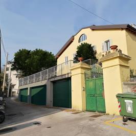 Fotoinserimento Garage - Trieste