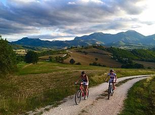 mountainbike in le marche.jpg