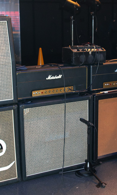 Guitar amp for 1973 set